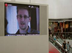 Hong Kong rally backs Snowden, denounces allegations of U.S. spying
