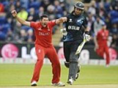 Champions Trophy: England beat New Zealand to reach semi-finals